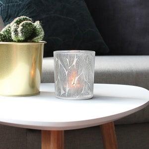 Image : Photophore, Elna, verre, blanc l.7 x H.7.8 cm
